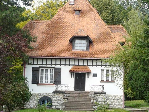 titova-vila-palisad–vila-aleksandra-pavlovica